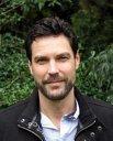 Gareth D Holmes